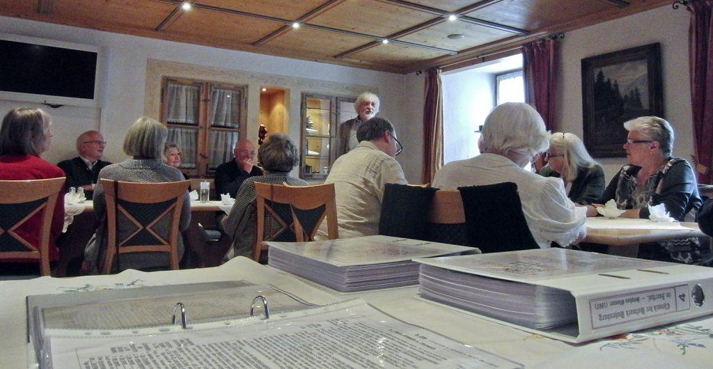 Max Raeder dankt den Helfern des Glonner-Chronikprojekts.